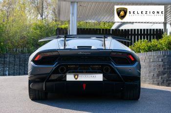 Lamborghini Huracan Performante LP 640-4 2dr LDF - Carbon Ceramic Brakes - Carbon Fiber Features - Comfort Seats image 4 thumbnail