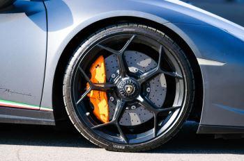 Lamborghini Huracan Performante LP 640-4 2dr LDF - Carbon Ceramic Brakes - Carbon Fiber Features - Comfort Seats image 9 thumbnail