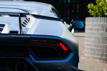 Lamborghini Huracan Performante LP 640-4 2dr LDF - Carbon Ceramic Brakes - Carbon Fiber Features - Comfort Seats image 11 thumbnail