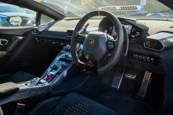 Lamborghini Huracan Performante LP 640-4 2dr LDF - Carbon Ceramic Brakes - Carbon Fiber Features - Comfort Seats image 12 thumbnail