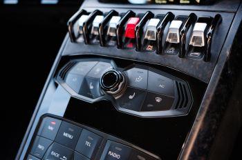 Lamborghini Huracan Performante LP 640-4 2dr LDF - Carbon Ceramic Brakes - Carbon Fiber Features - Comfort Seats image 17 thumbnail