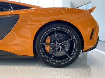 McLaren 675LT COUPE CLUBSPORT PACK image 11 thumbnail