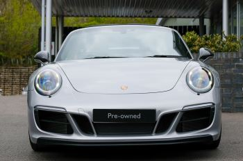 Porsche 911 TARGA 4 GTS - PDK - SPORT DESIGN PACKAGE - GTS INTERIOR PACKAGE image 4 thumbnail