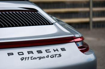 Porsche 911 TARGA 4 GTS - PDK - SPORT DESIGN PACKAGE - GTS INTERIOR PACKAGE image 12 thumbnail