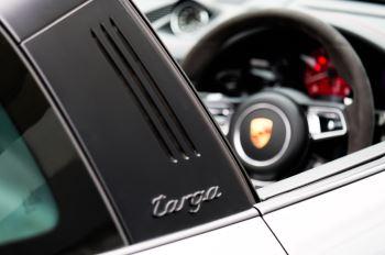 Porsche 911 TARGA 4 GTS - PDK - SPORT DESIGN PACKAGE - GTS INTERIOR PACKAGE image 13 thumbnail
