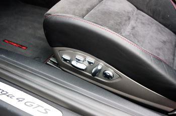 Porsche 911 TARGA 4 GTS - PDK - SPORT DESIGN PACKAGE - GTS INTERIOR PACKAGE image 22 thumbnail