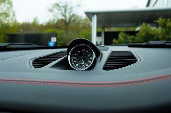 Porsche 911 TARGA 4 GTS - PDK - SPORT DESIGN PACKAGE - GTS INTERIOR PACKAGE image 27 thumbnail