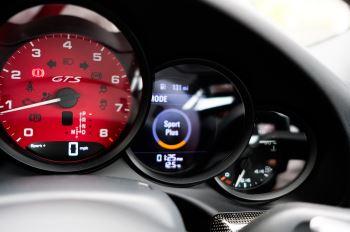 Porsche 911 TARGA 4 GTS - PDK - SPORT DESIGN PACKAGE - GTS INTERIOR PACKAGE image 33 thumbnail