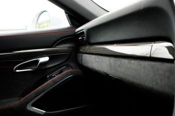Porsche 911 TARGA 4 GTS - PDK - SPORT DESIGN PACKAGE - GTS INTERIOR PACKAGE image 34 thumbnail
