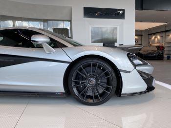 McLaren 570S Coupe V8 2dr SSG image 5 thumbnail