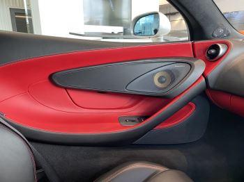 McLaren 570S Coupe V8 2dr SSG image 25 thumbnail