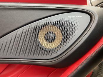 McLaren 570S Coupe V8 2dr SSG image 33 thumbnail