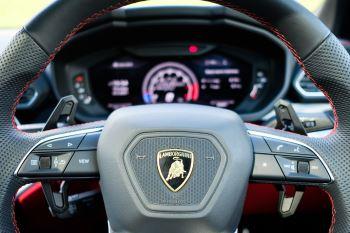 Lamborghini Urus 4.0T FSI V8 AUTO- 4 SEAT CONFIGURATION - NIGHT VISION - 23 INCH ALLOYS image 22 thumbnail