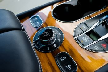 Bentley Bentayga 6.0 W12 - All Terrain, Sunshine, City and Touring Specification image 25 thumbnail