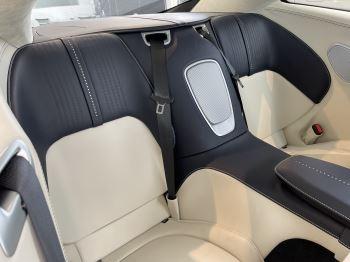 Aston Martin DB11 V8 Touchtronic image 7 thumbnail