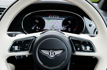 Bentley Bentayga 4.0 V8 5dr [4 Seat] - First Edition - All Terrain Specification image 18 thumbnail