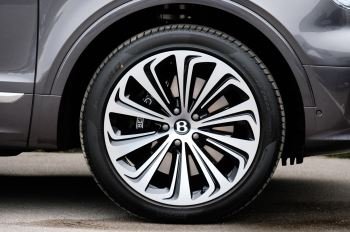 Bentley Bentayga 4.0 V8 5dr [4 Seat] - First Edition - All Terrain Specification image 9 thumbnail