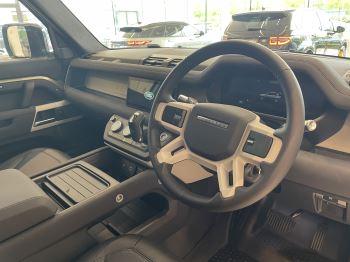Land Rover Defender 3.0 D250 SE HARD TOP 110 5dr Auto image 8 thumbnail