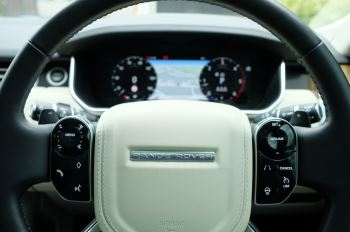 Land Rover Range Rover 3.0 SDV6 Vogue SE - Panoramic Roof - Privacy Glass - 21 inch Alloys image 25 thumbnail
