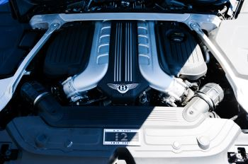 Bentley Continental GT 6.0 W12 - CITY + TOURING SPECIFICATION image 9 thumbnail