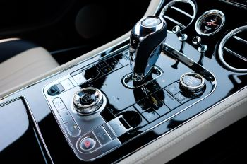 Bentley Continental GT 6.0 W12 - CITY + TOURING SPECIFICATION image 21 thumbnail