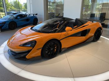 McLaren 600LT Spider V8 2dr SSG image 2 thumbnail