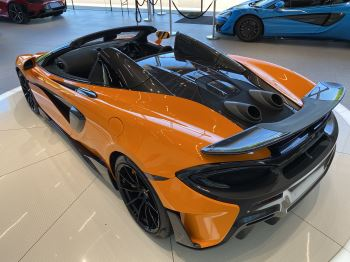 McLaren 600LT Spider V8 2dr SSG image 4 thumbnail