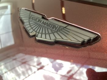 Aston Martin V8 Vantage Convertible Touchtronic 3 image 12 thumbnail