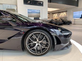 McLaren 720S Spider V8 2dr SSG  MSO PAINT SPOORTS EXHAUST SUPERB VALUE image 2 thumbnail