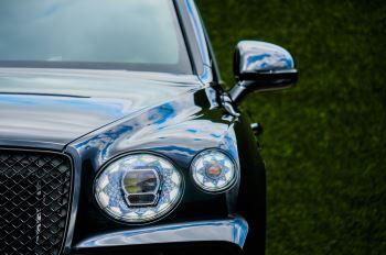 Bentley Bentayga 4.0 V8 - Mulliner Driving Specification for Black Specification image 6 thumbnail