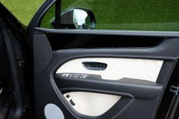 Bentley Bentayga 4.0 V8 - Mulliner Driving Specification for Black Specification image 13 thumbnail
