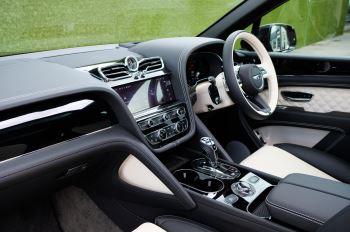 Bentley Bentayga 4.0 V8 - Mulliner Driving Specification for Black Specification image 11 thumbnail