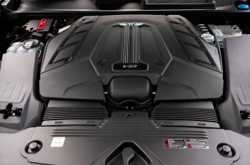 Bentley Bentayga 4.0 V8 - Mulliner Driving Specification for Black Specification image 9 thumbnail