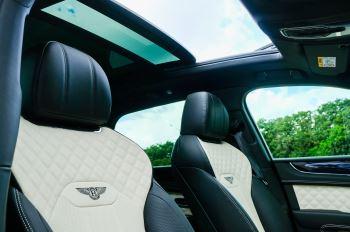 Bentley Bentayga 4.0 V8 - Mulliner Driving Specification for Black Specification image 26 thumbnail