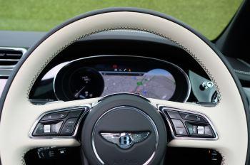 Bentley Bentayga 4.0 V8 - Mulliner Driving Specification for Black Specification image 17 thumbnail