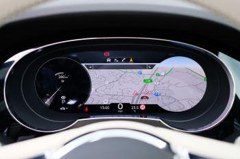 Bentley Bentayga 4.0 V8 - Mulliner Driving Specification for Black Specification image 18 thumbnail