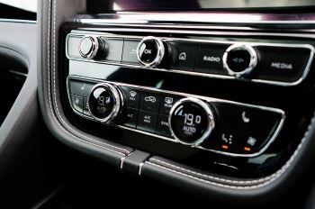 Bentley Bentayga 4.0 V8 - Mulliner Driving Specification for Black Specification image 20 thumbnail