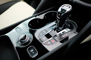 Bentley Bentayga 4.0 V8 - Mulliner Driving Specification for Black Specification image 21 thumbnail