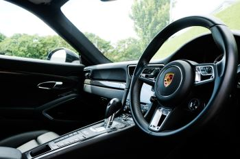 Porsche 911 PDK - Carbon interior package - Privacy Glass - 20 inch Sport Classic wheels image 29 thumbnail