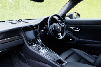 Porsche 911 PDK - Carbon interior package - Privacy Glass - 20 inch Sport Classic wheels image 18 thumbnail