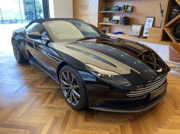 Aston Martin DB11 Volante V8 Volante Touchtronic image 2 thumbnail
