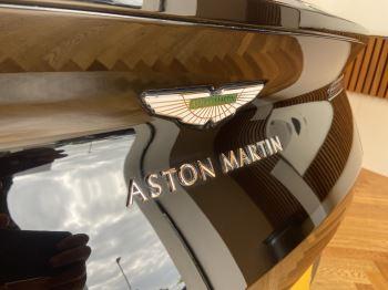 Aston Martin DB11 Volante V8 Volante Touchtronic image 3 thumbnail