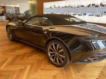 Aston Martin DB11 Volante V8 Volante Touchtronic image 4 thumbnail