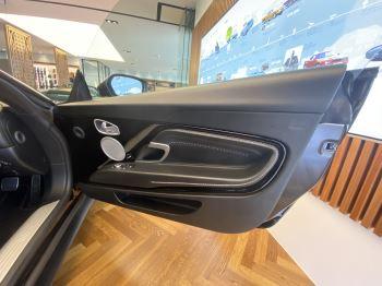 Aston Martin DB11 Volante V8 Volante Touchtronic image 11 thumbnail