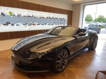 Aston Martin DB11 Volante V8 Volante Touchtronic image 31 thumbnail