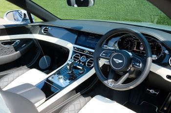 Bentley Continental GTC 4.0 V8 - Mulliner Driving Specification and Blackline Specification with 22 Inch Alloys image 12 thumbnail