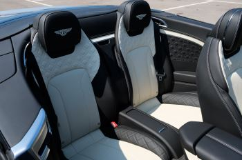 Bentley Continental GTC 4.0 V8 - Mulliner Driving Specification and Blackline Specification with 22 Inch Alloys image 13 thumbnail