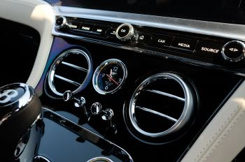 Bentley Continental GTC 4.0 V8 - Mulliner Driving Specification and Blackline Specification with 22 Inch Alloys image 25 thumbnail