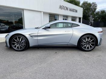 Aston Martin New Vantage 2dr ZF 8 Speed reversing camera . Heated & ventilated seats . Sports pplus seats .  image 4 thumbnail