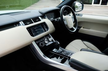 Land Rover Range Rover Sport 5.0 V8 S/C Autobiography Dynamic - 22 Inch Alloy Wheels - LED Signature Lights - 360 Camera image 15 thumbnail